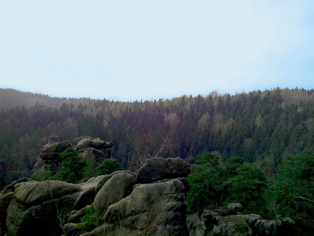 Nonnenfelsen - widoki zjednego zeszczytów - Góry Łużyckie