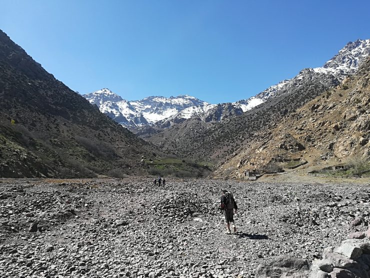 Aramound i ostatnia prosta wyschniętym korytem rzeki