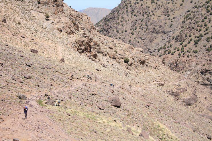 Droga do schroniska powyżej Sidi.