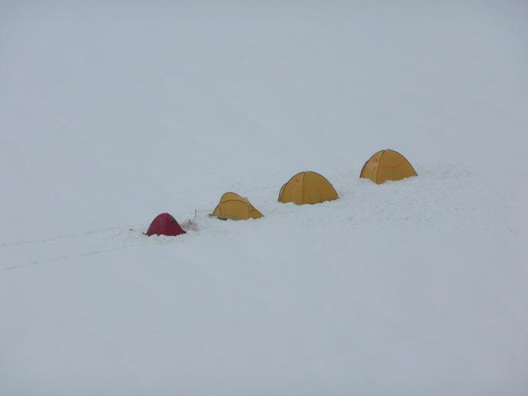 Nocleg na lodowcu pod Mount Blanc