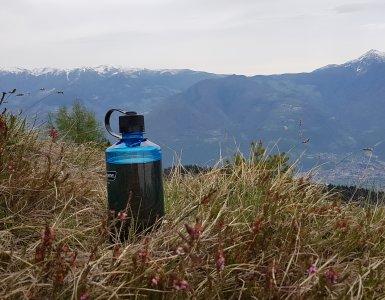 butelka, widok, góry, trawa