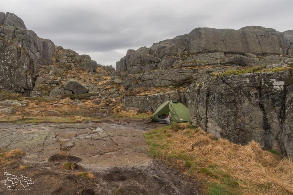 góry, skały, polana, namiot