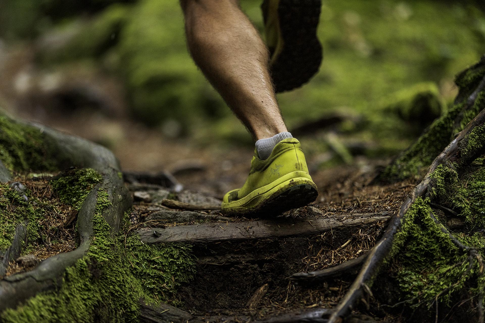 Odpowiednie obuwie chroni przedurazami.