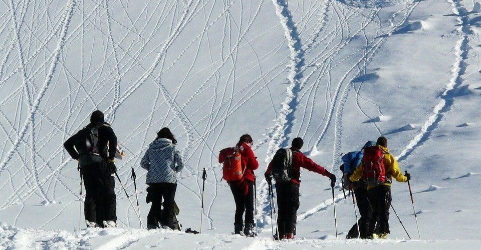 Detektor lawinowy – dlaczego go potrzebujesz w górach wysokich