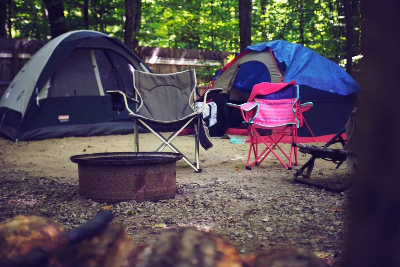 Szukaj miejsc, gdzie rozstawisz namiot isprzęt