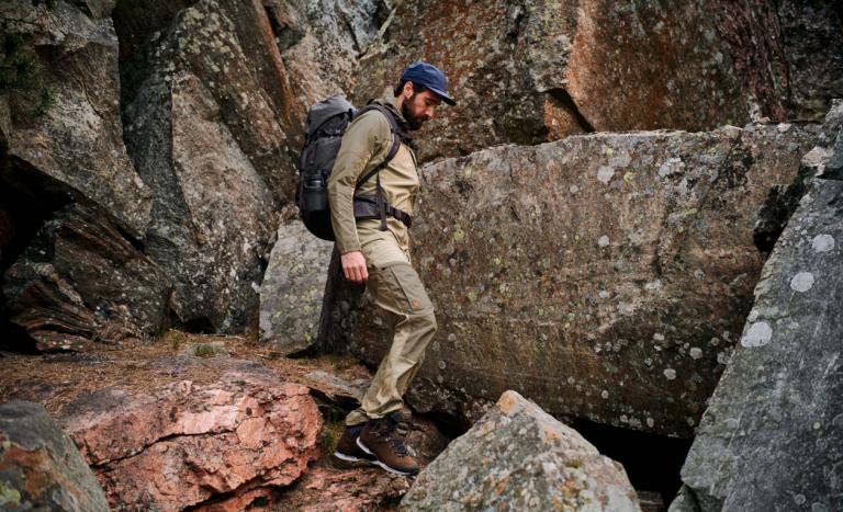 Spodnie trekkingowe FJALLRAVEN – związek nacałe życie.  Wybierz mądrze!