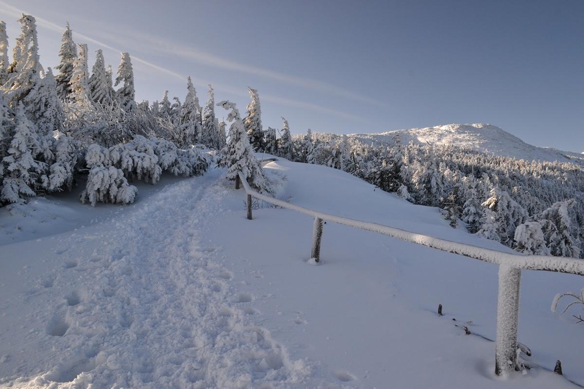 O ile kopny śnieg daje wkość podgórę, otyle wdół oferuje niewiarygodne przyspieszenie
